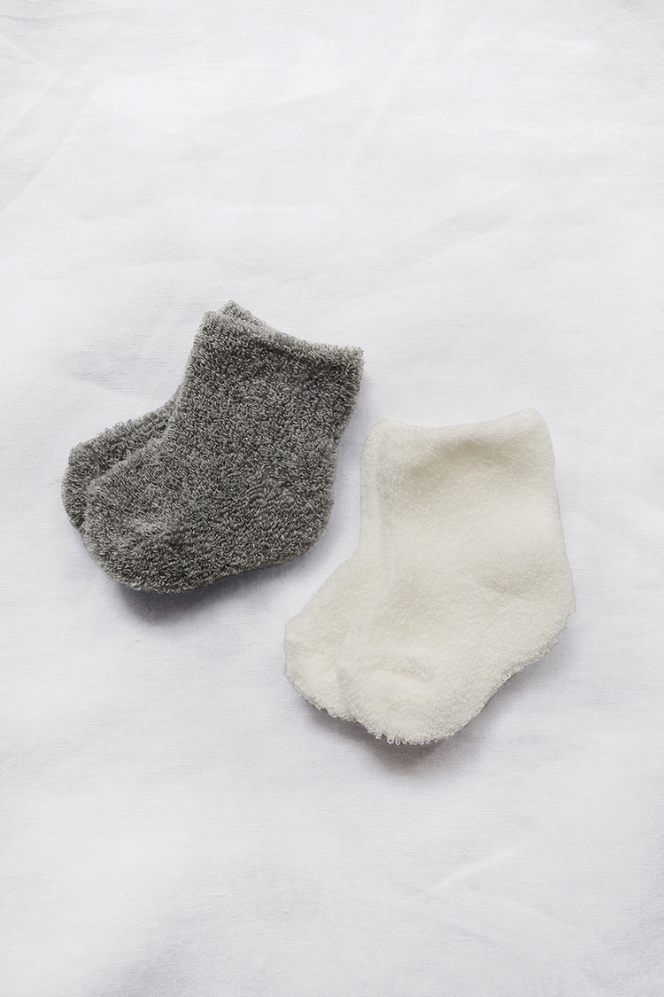 Cotton pile socks handmade in Japan. White and Gray.