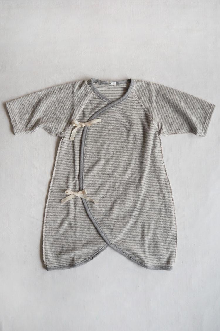 Pile Hadagi 6m, a gray stripe kimono style wrap onesie