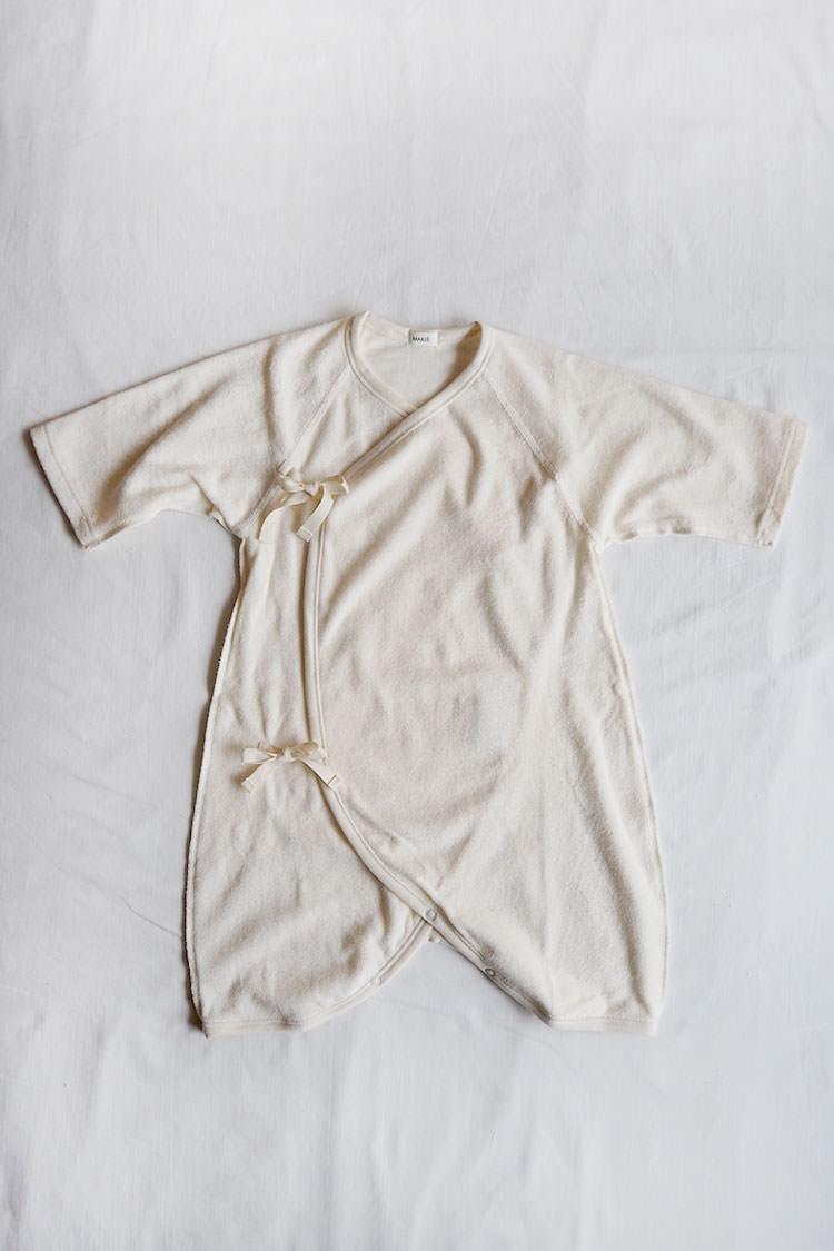 Pile Hadagi 6m, an ivory kimono style wrap onesie
