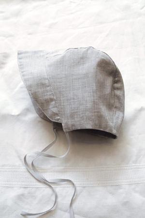 Makie: Luxury Cotton Bonnet - Gray. Top.