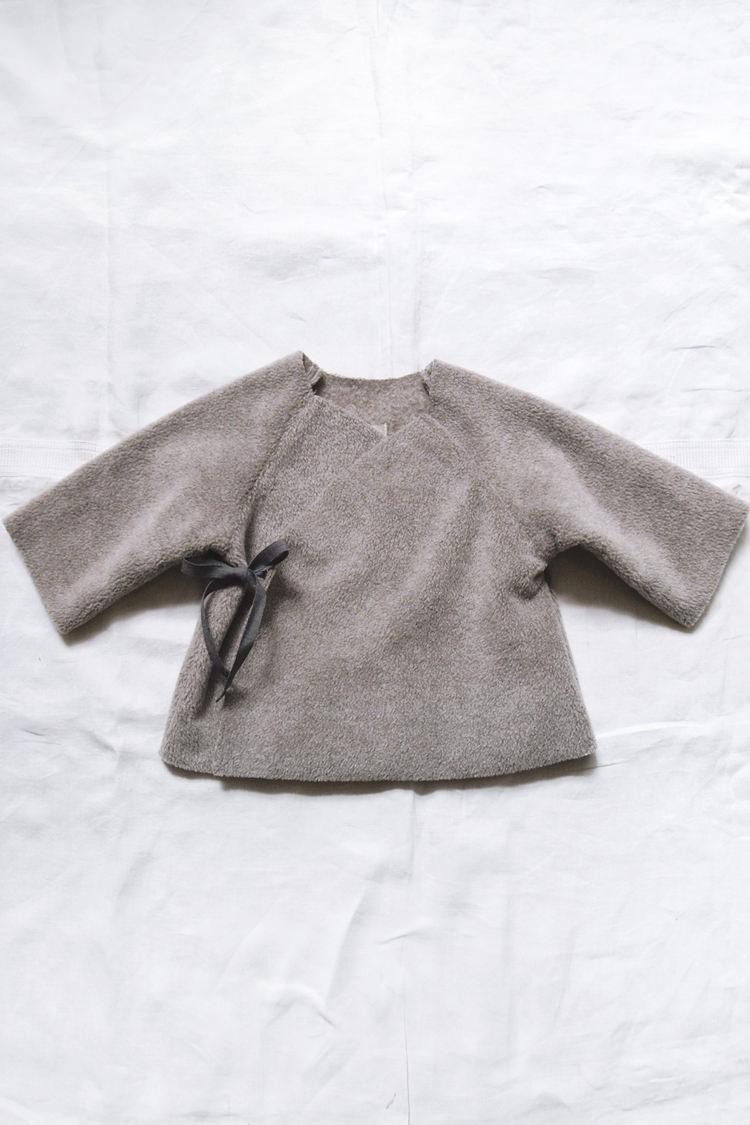 Makie fleece kimono jacket beige top
