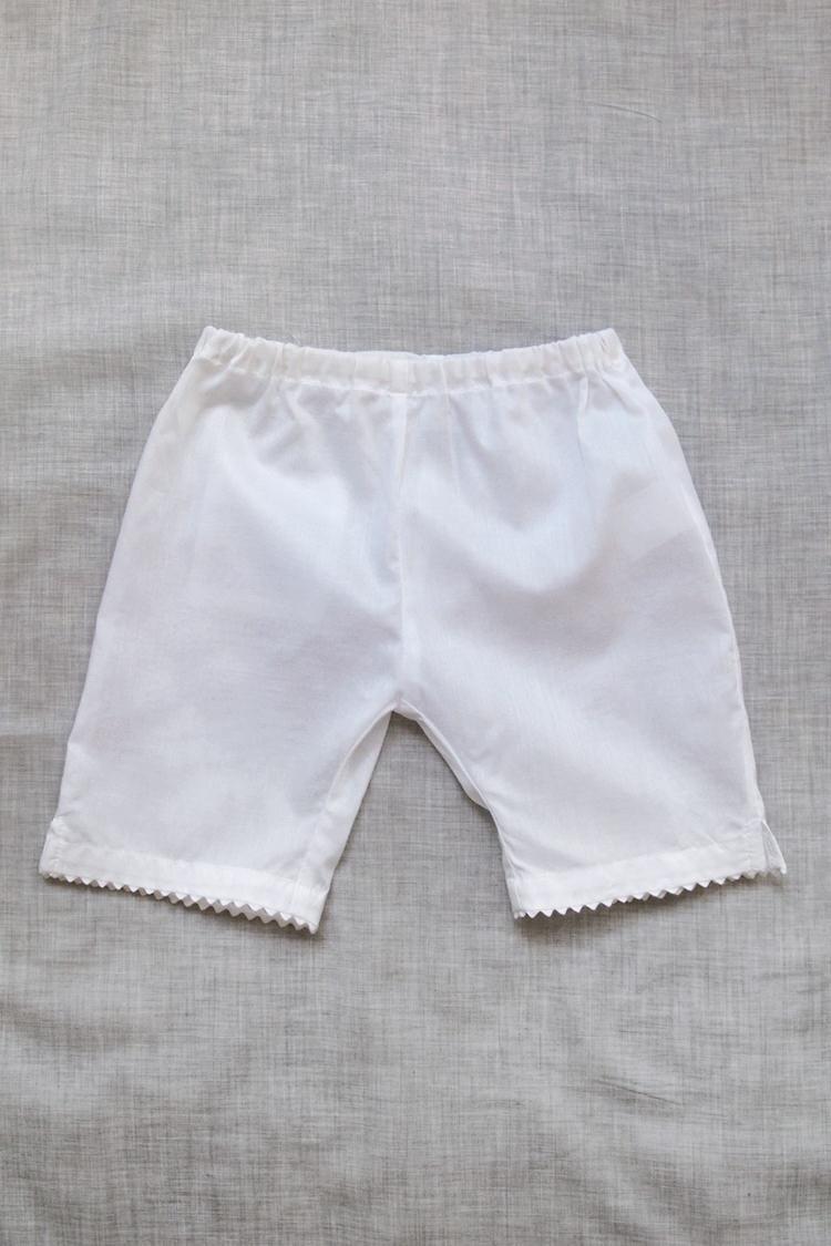 Makie: Swiss Cotton Pants - White. Top.