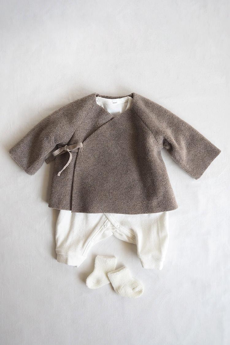 Makie: Gender neutral baby gift box set #6 Beige Kimono Jacket & White Kimono Onesie.