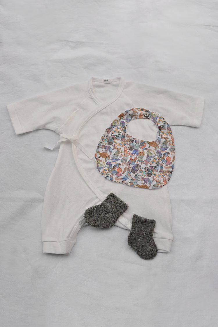 Makie, Baby Set #1 White. Unisex baby gift