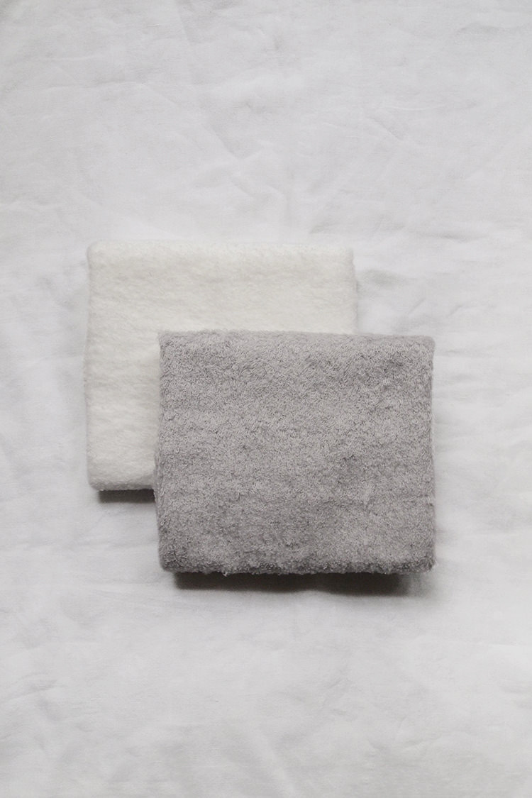 Makie: Uchino x MAKIE, Marshmallow Touch Washcloth. Top.