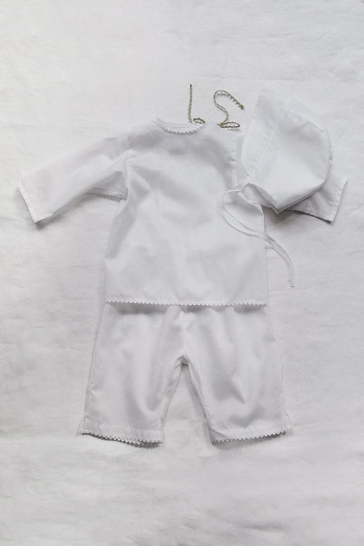 Makie: Luxury baby gift set #7 Swiss Cotton - White. Top.