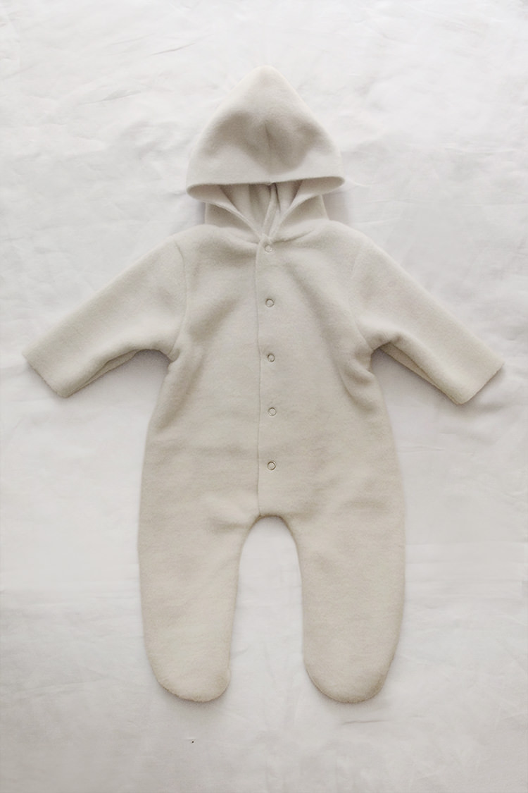 Makie: Fleece Jumpsuit Noel – Cream. one piece hooded baby jumpsuit. Top
