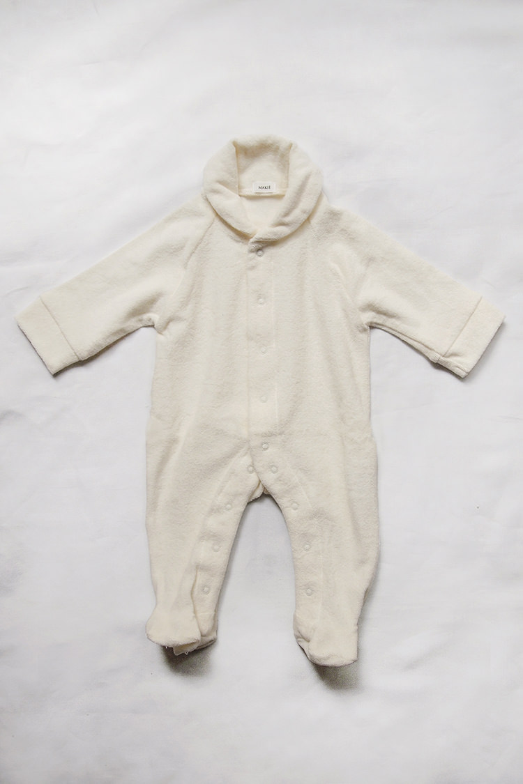Makie: Pile Coverall – Ivory. A One piece footed jumpsuit for baby. Top