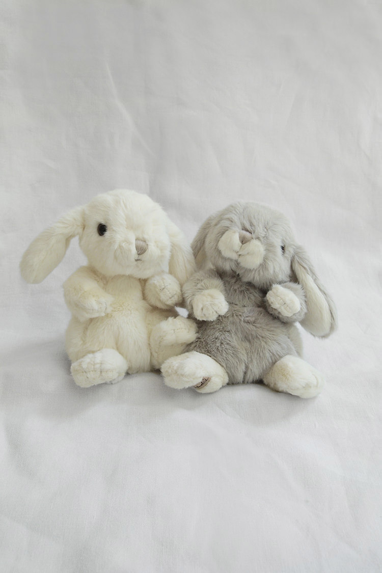 Makie: Baby Rabbit. Cream and Gray Top.