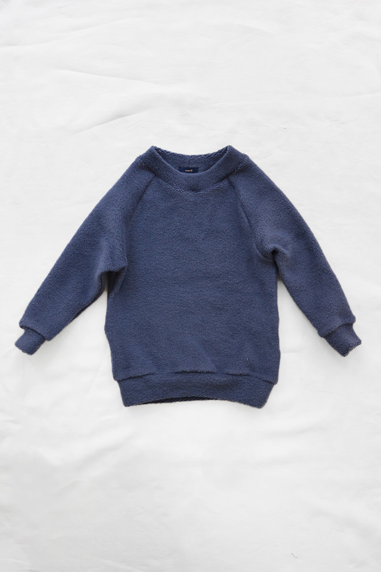 Makie: Pullover Jude - Slate Blue. Fluffy and smooth cotton kids sweatshirt. Top.