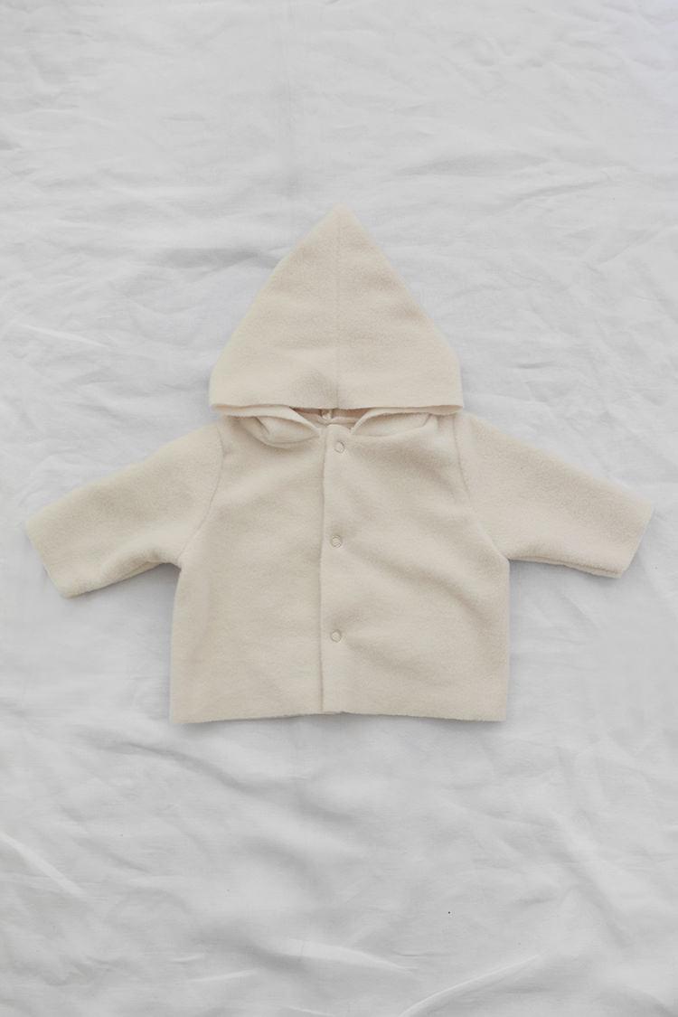 Makie: Fleece Hoodie Fia - Cream. Soft & light fleece baby hoodie. Top.