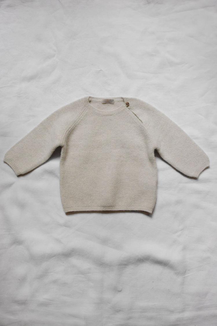 Makie Cashmere Top Gema - Ice, fine knit unisex cashmere baby sweater. Top