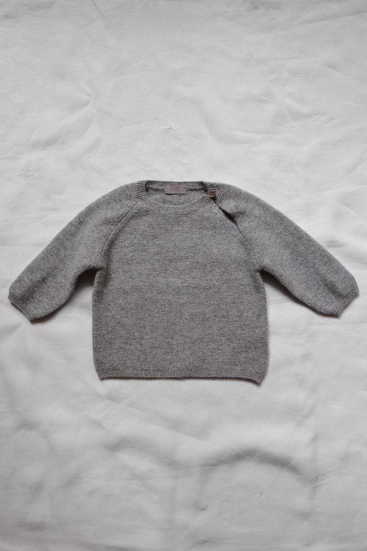 Makie Cashmere Top Gema, fine knit unisex cashmere baby sweater. Top