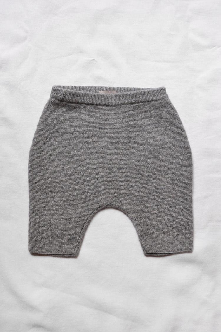 Makie unisex baby Cashmere Pants Gema - Gray. Top