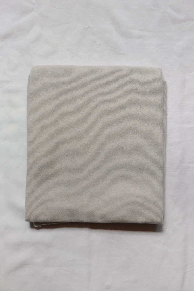Makie Cashmere Blanket Gema - Ice, a fine knit cashmere blanket. Top