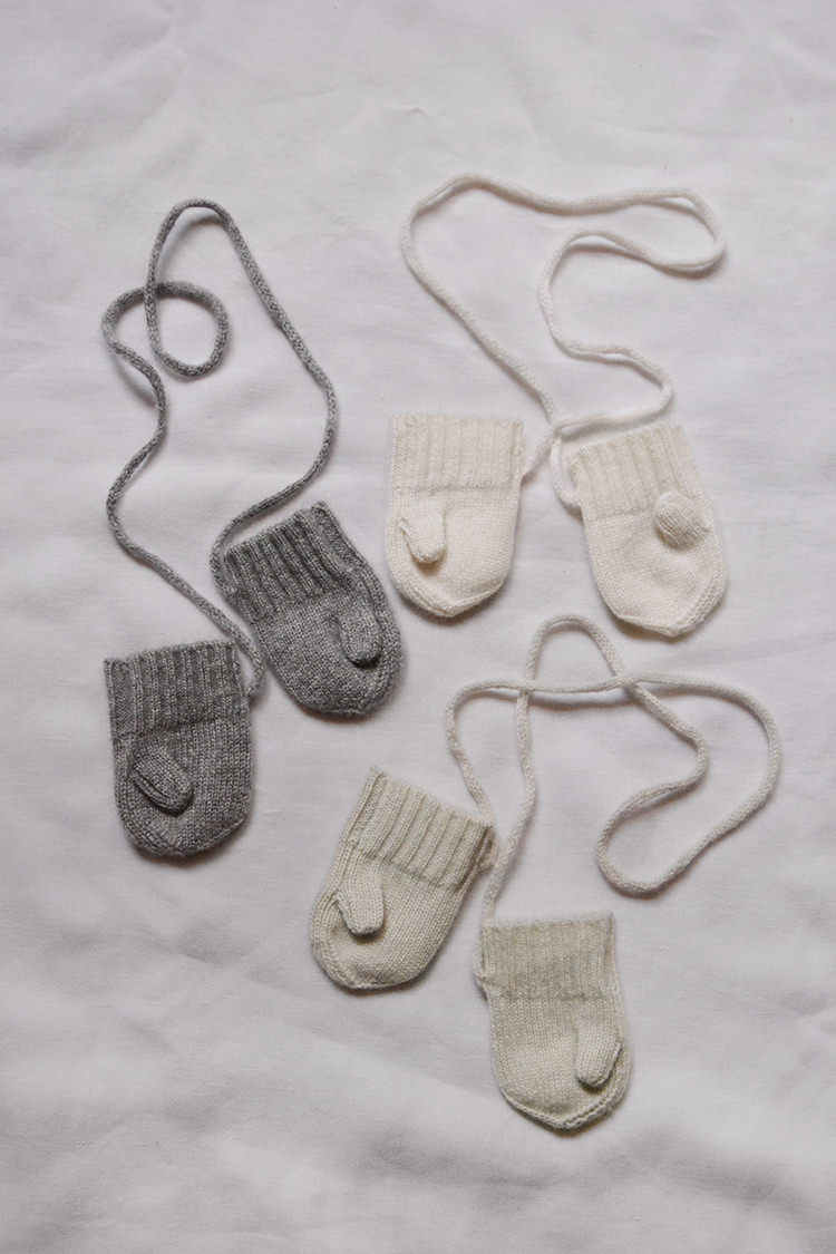 Makie Cashmere Mittens Gema. Top