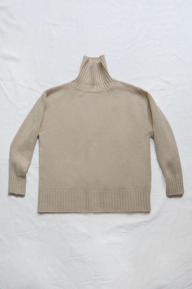 Women's beige turtleneck cashmere sweater