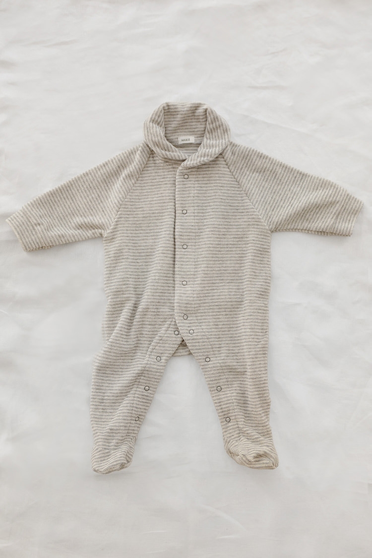 Makie: Pile Coverall – Gray Stripe. A One piece footed jumpsuit for baby. Top