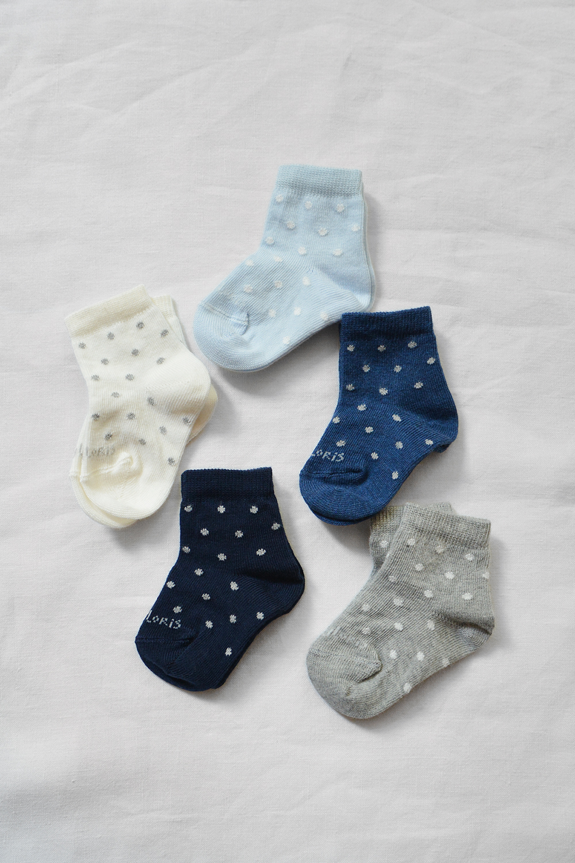 Story Loris, Baby Socks